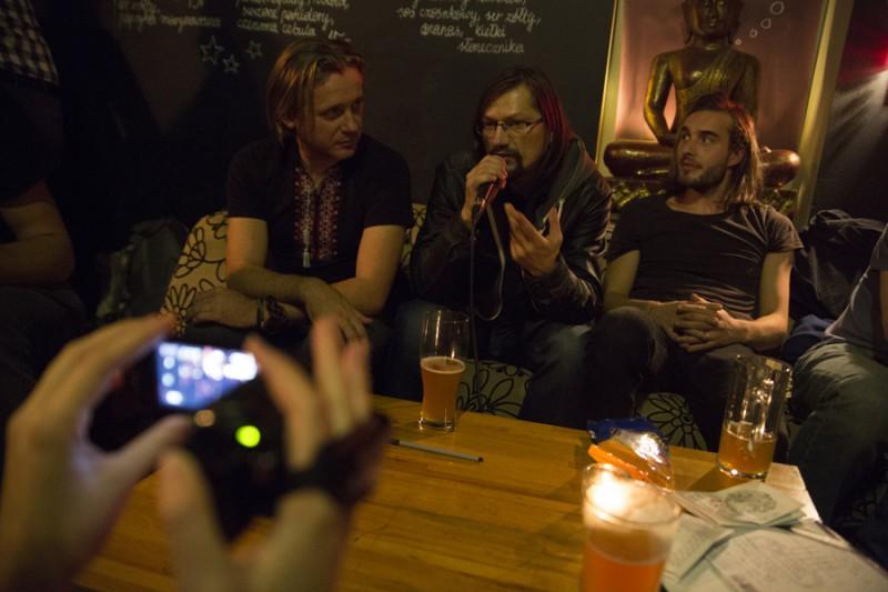 Януш Гаврылюк (в центре): «Мы показывает вне конкурса иностранные ленты, потому что в Беларуси не снимают столько фильмов, чтобы показывать их на протяжении трех дней.»