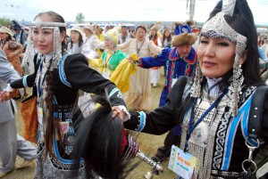 Нацыянальныя якуцкія ўпрыгожванні. Фота: Айар Варламаў/YakutiaPhoto.com
