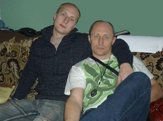 Милюков-Олег-справа-с-сыном-Алексеем