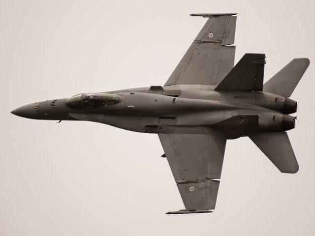 Фінскі знішчальнік F/A-18 Hornet.
