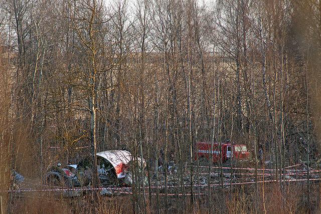 640px-tu-154-crash-in-smolensk-20100410-10