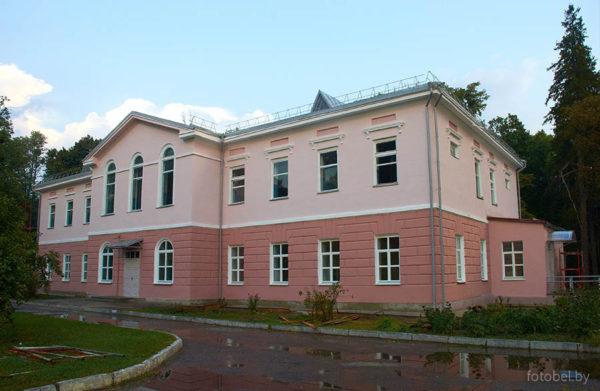 palac-i-brama-2