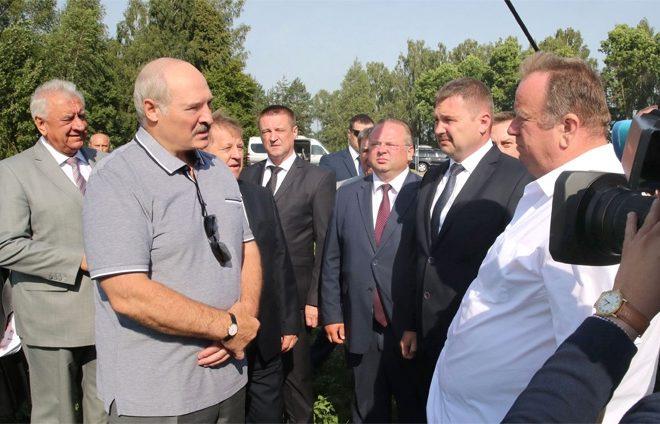 Лукашенко потребовал привести впорядок брестский аэропорт
