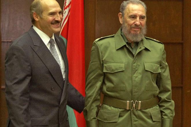 Уменя долг перед Фиделем, ядолжен побывать наего могиле— Лукашенко