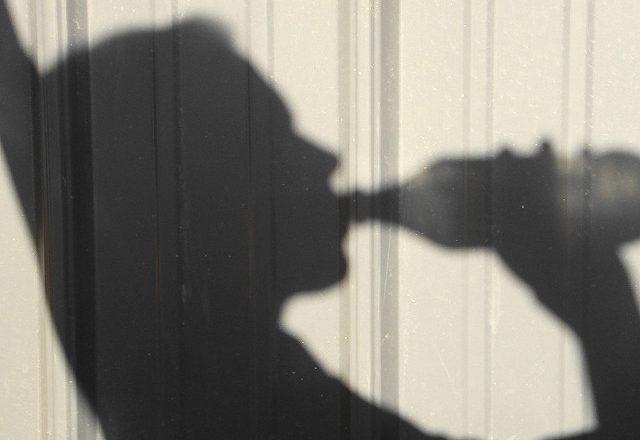 ВДятловском районе девушки избили школьниц заотсутствие фликеров