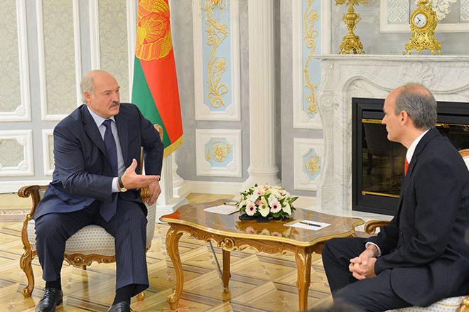 Лукашенко хочет посетить Венесуэлу в2016 году