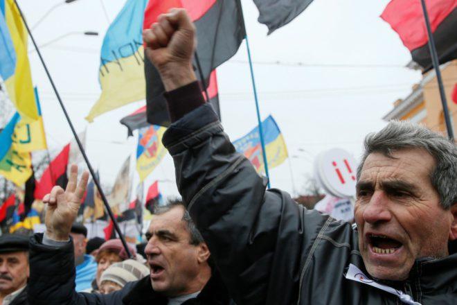 Митинг вКиеве: активисты хотят организовать штаб вОктябрьском замке