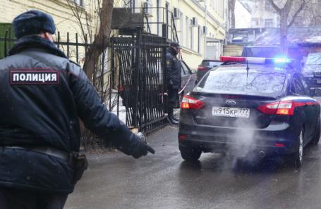 Милиция блокировала сооружение фабрики «Меньшевик»