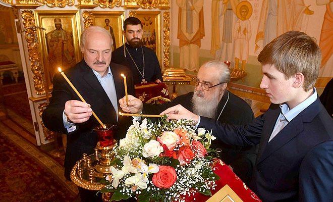 Всветлый праздник Пасхи Президент встретился смитрополитом Филаретом