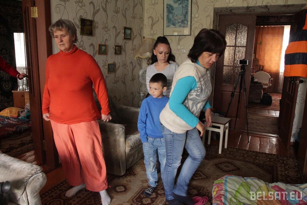 Спазмы мышц и слабость: голодовка в Калинковичах и Пуховичах продолжается.