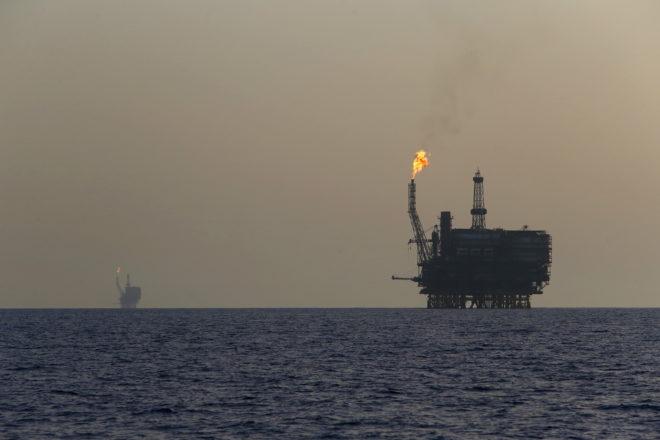 Цена на нефть может упасть ниже 40 долларов за барелль - прогноз Ирана